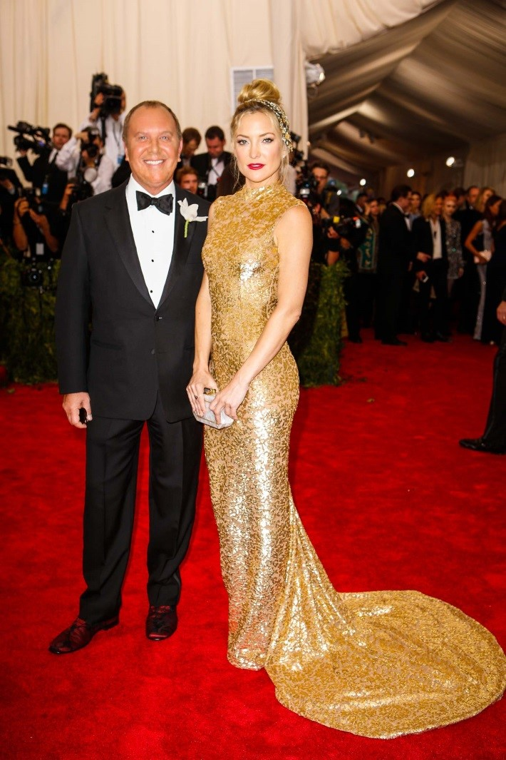 Michael Kors and Kate Hudson, in a dress by the designer