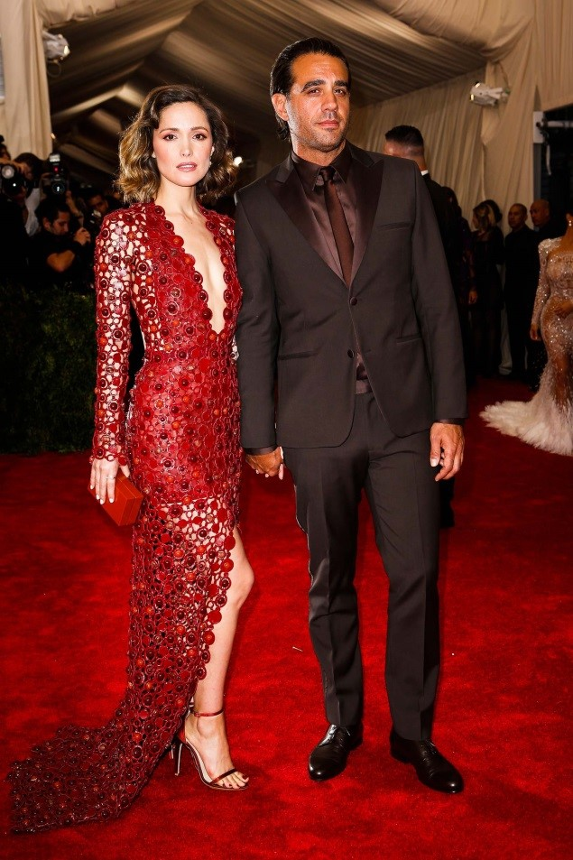 Rose Byrne and Bobby Cannavale, both in Calvin Klein Collection