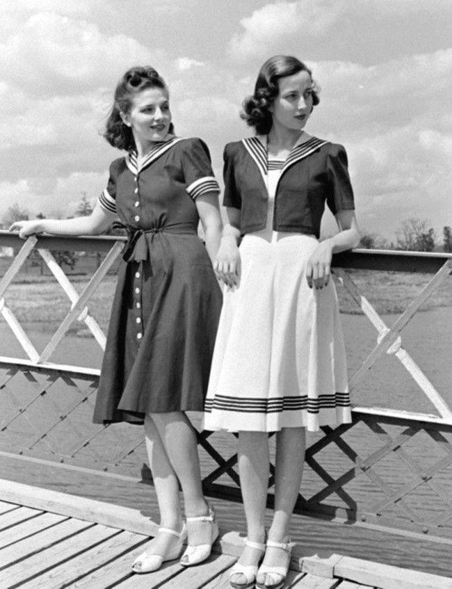 Models in nautical inspired fashion (1940)