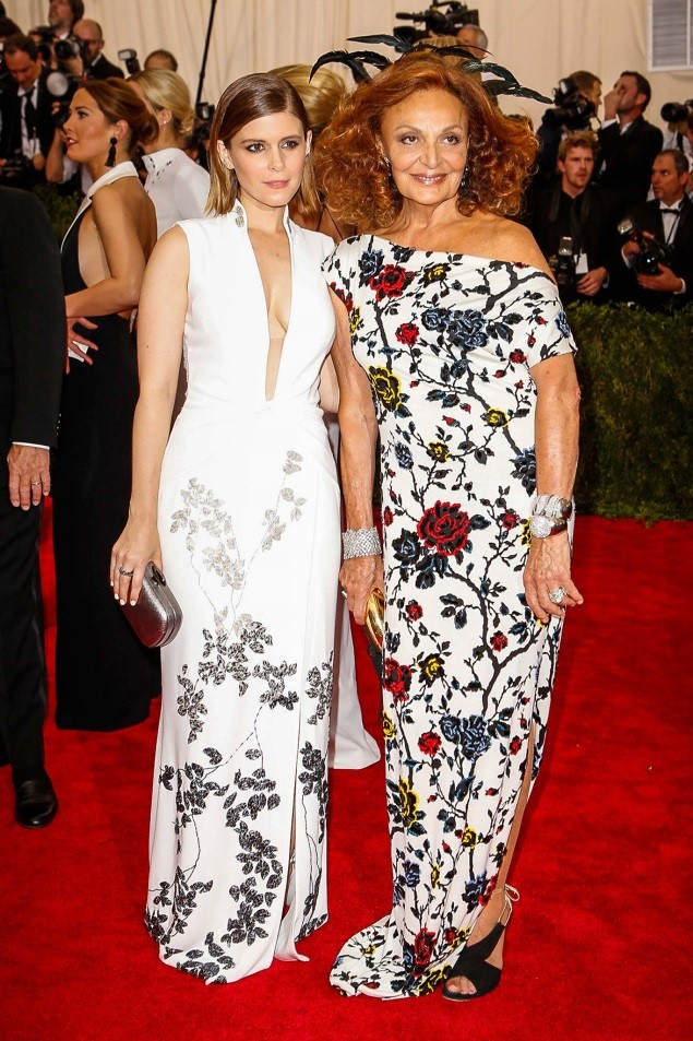 Kate Mara and Diane von Furstenberg, both in Michael Kors and Kate Hudson, in a dress by the Diane von Furstenberg