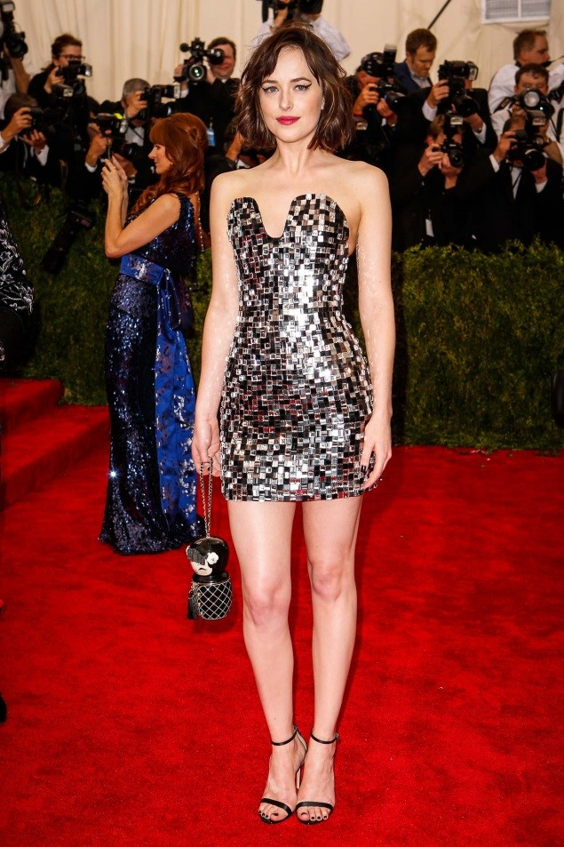 Dakota Johnson, in Chanel Haute Couture