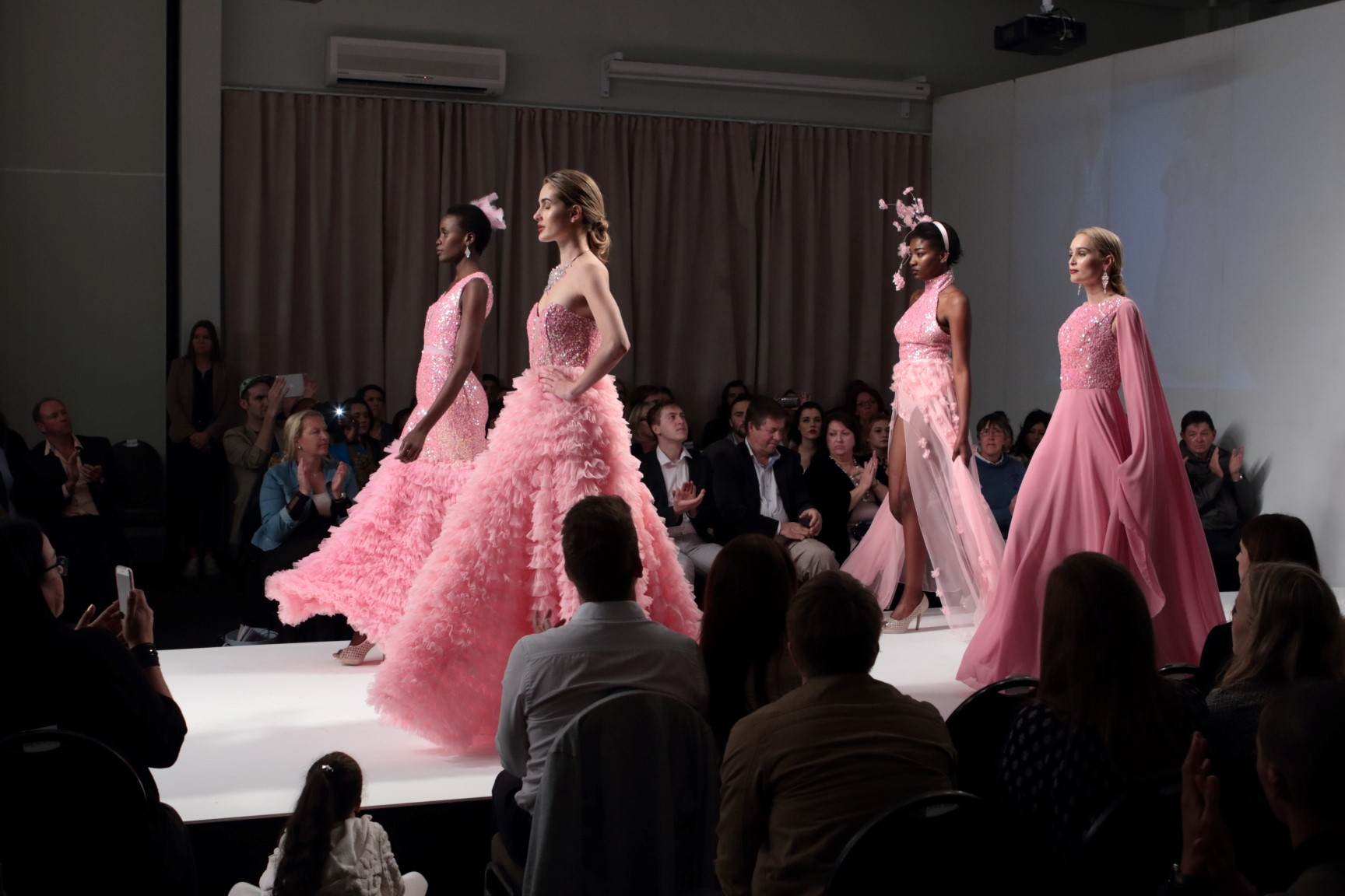 Gap Year : fashion show on the ramp